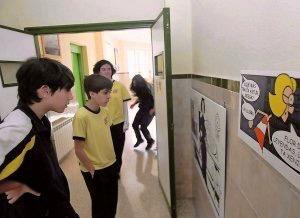 Escolares leyendo L'enigma del palaciu Bao, C.P. Ntrª Sra. del Buen Consejo